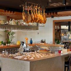Отель W Barcelona гостиничный бар