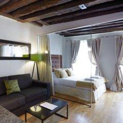 Отель du Louvre - St-Honoré Франция, Париж - отзывы, цены и фото номеров - забронировать отель du Louvre - St-Honoré онлайн комната для гостей фото 5