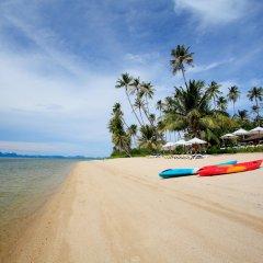 Отель Centra by Centara Coconut Beach Resort Samui пляж