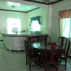 Отель Alamo Bay Inn Филиппины, остров Боракай - отзывы, цены и фото номеров - забронировать отель Alamo Bay Inn онлайн питание фото 2