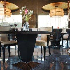 Radisson Blu Hotel Istanbul Pera Турция, Стамбул - 2 отзыва об отеле, цены и фото номеров - забронировать отель Radisson Blu Hotel Istanbul Pera онлайн интерьер отеля