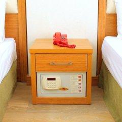 Hotel Buyuk Paris сейф в номере