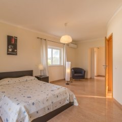 Отель Villas2Go2 Alvor Villa Португалия, Портимао - отзывы, цены и фото номеров - забронировать отель Villas2Go2 Alvor Villa онлайн комната для гостей фото 2
