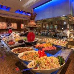 Отель Evergreen Laurel Hotel Penang Малайзия, Пенанг - отзывы, цены и фото номеров - забронировать отель Evergreen Laurel Hotel Penang онлайн гостиничный бар