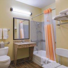 Отель La Quinta Inn & Suites Logan ванная фото 2