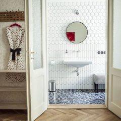 Отель The Emerald Чехия, Прага - отзывы, цены и фото номеров - забронировать отель The Emerald онлайн ванная