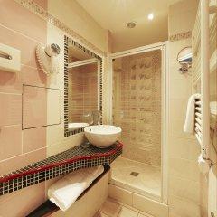 Отель POUSSIN Париж ванная