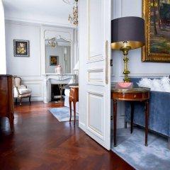 Отель Lancaster Paris Champs-Elysées Франция, Париж - 1 отзыв об отеле, цены и фото номеров - забронировать отель Lancaster Paris Champs-Elysées онлайн комната для гостей фото 4