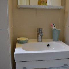 Апартаменты Charming Apartment Near Le Marais ванная
