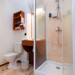Brit Hotel Rennes St Grégoire - Le Villeneuve ванная фото 2