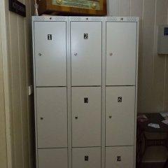 Хостел 25 Hours Вильнюс сейф в номере