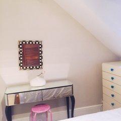 Отель 2 Bedroom Flat in North Kensington Великобритания, Лондон - отзывы, цены и фото номеров - забронировать отель 2 Bedroom Flat in North Kensington онлайн сейф в номере