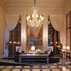 Отель Le Meurice Dorchester Collection Париж интерьер отеля фото 3