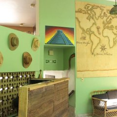 The Roof Backpackers Hostel спа