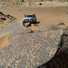 Отель Sahara Camp & Camel Trek Марокко, Мерзуга - отзывы, цены и фото номеров - забронировать отель Sahara Camp & Camel Trek онлайн пляж фото 2