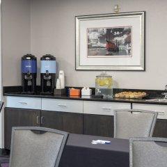 Holiday Inn Express Hotel & Suites Columbus - Polaris Parkway Колумбус питание фото 3