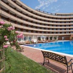 Отель Grand Hotel Pomorie Болгария, Поморие - 2 отзыва об отеле, цены и фото номеров - забронировать отель Grand Hotel Pomorie онлайн бассейн фото 3