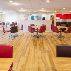 Отель Travelodge Manchester Sportcity Великобритания, Манчестер - отзывы, цены и фото номеров - забронировать отель Travelodge Manchester Sportcity онлайн фото 4