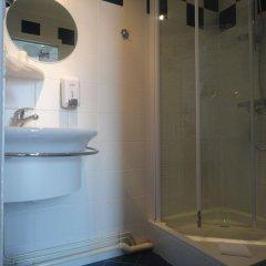 Отель Alcyon Франция, Сомюр - отзывы, цены и фото номеров - забронировать отель Alcyon онлайн ванная фото 3