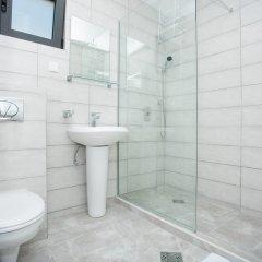 Отель Bevilacqua Apartments Черногория, Будва - отзывы, цены и фото номеров - забронировать отель Bevilacqua Apartments онлайн ванная фото 2