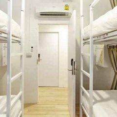 Отель LiveItUp Asok by D Varee Таиланд, Бангкок - отзывы, цены и фото номеров - забронировать отель LiveItUp Asok by D Varee онлайн комната для гостей фото 4