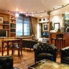 Отель Best Western Hôtel Victor Hugo гостиничный бар