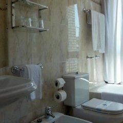 Отель Ezeiza Испания, Сан-Себастьян - отзывы, цены и фото номеров - забронировать отель Ezeiza онлайн ванная