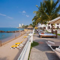 Отель Plaza Pelicanos Grand Beach Resort пляж