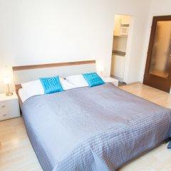 Апартаменты Checkvienna – Apartment Gießaufgasse Вена комната для гостей фото 2