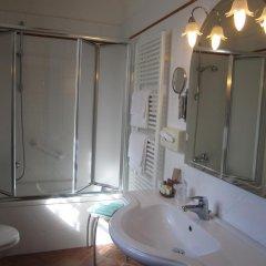 Отель Le Volpaie Италия, Сан-Джиминьяно - отзывы, цены и фото номеров - забронировать отель Le Volpaie онлайн ванная фото 2