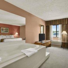 Отель Baymont Inn & Suites - Sullivan комната для гостей фото 4