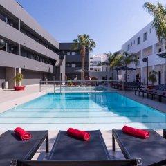 Отель Migjorn Ibiza Suites & Spa бассейн
