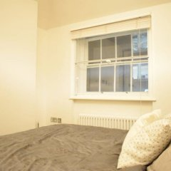 Отель 1 Bedroom Covent Garden Flat Sleeps 4 балкон