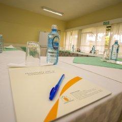 Отель Jumuia Guest House Nakuru Кения, Накуру - отзывы, цены и фото номеров - забронировать отель Jumuia Guest House Nakuru онлайн парковка