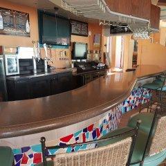 Отель Santa Fe Hotel США, Тамунинг - 4 отзыва об отеле, цены и фото номеров - забронировать отель Santa Fe Hotel онлайн гостиничный бар