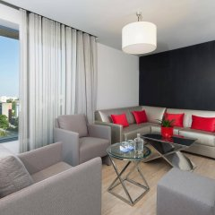 Отель TRYP Lisboa Aeroporto Hotel Португалия, Лиссабон - 9 отзывов об отеле, цены и фото номеров - забронировать отель TRYP Lisboa Aeroporto Hotel онлайн комната для гостей фото 2
