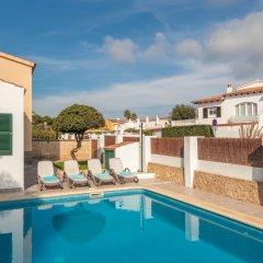 Отель Villa Caryana I бассейн