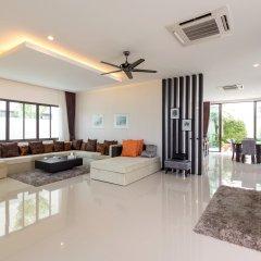 Отель The Regent Private Pool Villa Phuket комната для гостей