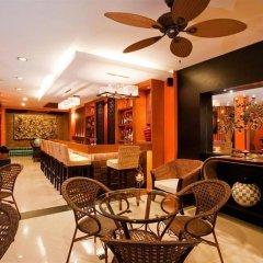 Отель Deva Suites Patong гостиничный бар