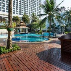 Отель Cholchan Pattaya Beach Resort бассейн фото 3