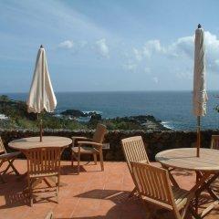 Отель Caloura Hotel Resort Португалия, Агуа-де-Пау - 3 отзыва об отеле, цены и фото номеров - забронировать отель Caloura Hotel Resort онлайн пляж фото 2