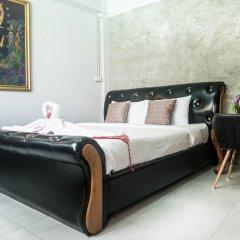 Beehive Phuket Oldtown Hostel Пхукет комната для гостей фото 2