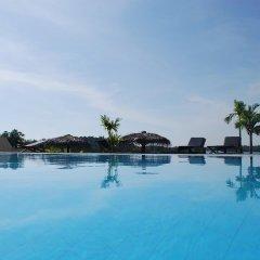Отель Kalla Bongo Lake Resort Шри-Ланка, Хиккадува - отзывы, цены и фото номеров - забронировать отель Kalla Bongo Lake Resort онлайн бассейн фото 2