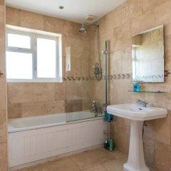 Отель 3 Bedroom House In Brighton With Garden Брайтон ванная