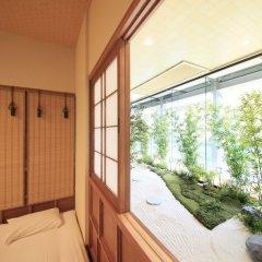 Отель Capsule and Sauna Oriental Япония, Токио - отзывы, цены и фото номеров - забронировать отель Capsule and Sauna Oriental онлайн балкон