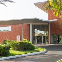 Отель Terrou Bi And Casino Resort Дакар вид на фасад