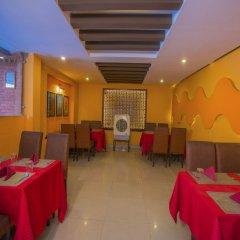 Отель OYO 235 Hotel Goodwill Непал, Лалитпур - отзывы, цены и фото номеров - забронировать отель OYO 235 Hotel Goodwill онлайн питание фото 3