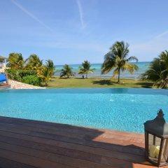 Отель Tallawah Villa, Silver Sands Jamaica 7BR бассейн фото 2