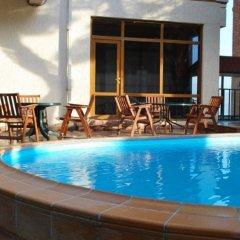 Отель BETSYS Тбилиси бассейн