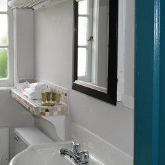 Отель 2400 Motel Канада, Ванкувер - отзывы, цены и фото номеров - забронировать отель 2400 Motel онлайн ванная